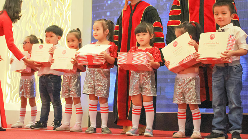 THE GRADUATION CEREMONY OF WASS KINDERGARTEN