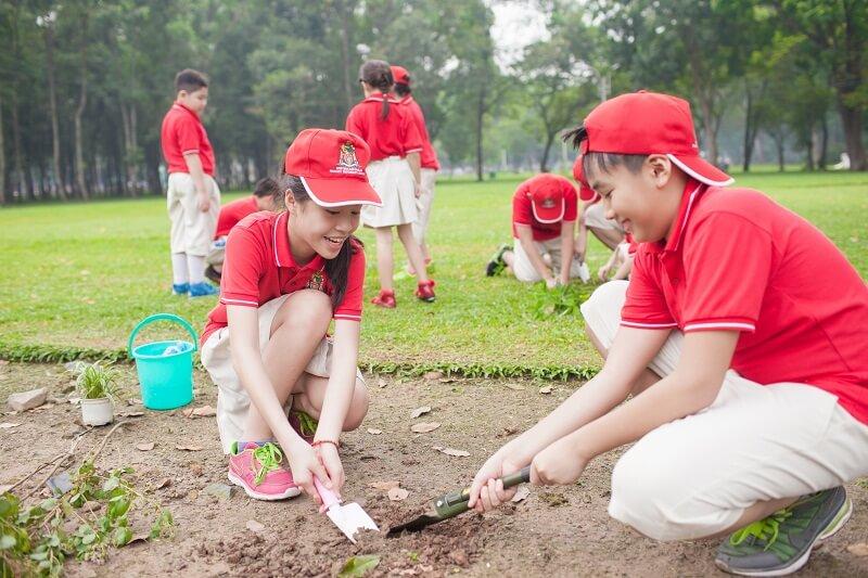 Hoạt động ngoại khóa là cơ hội để trẻ khám phá thế giới