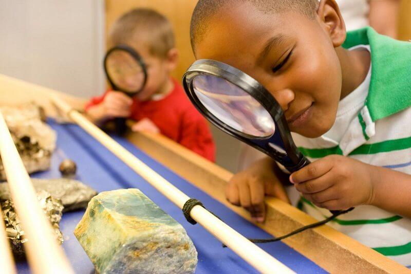 Hè là khoảng thời gian để trẻ khám phá thế giới