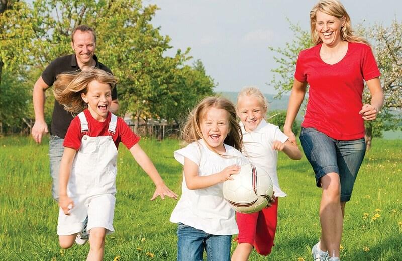 Kết quả hình ảnh cho cho trẻ vận động