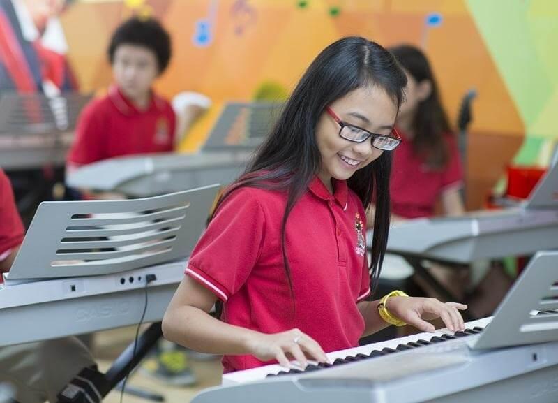 Phương Mỹ Chi là ca sĩ nhí có lượng fan đông đảo nhất tại showbiz Việt
