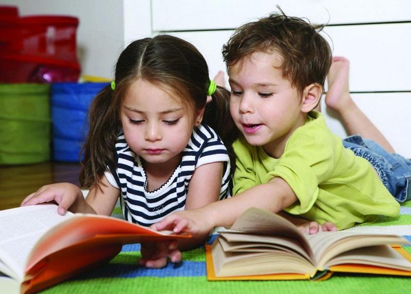Bạn hãy làm cho việc đọc sách trở thành một phần không thể thiếu được trong cuộc sống của con