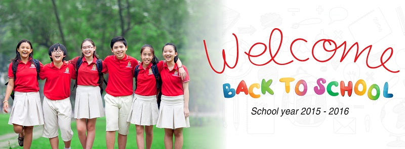 Học sinh vui mừng trong ngày tựu trường