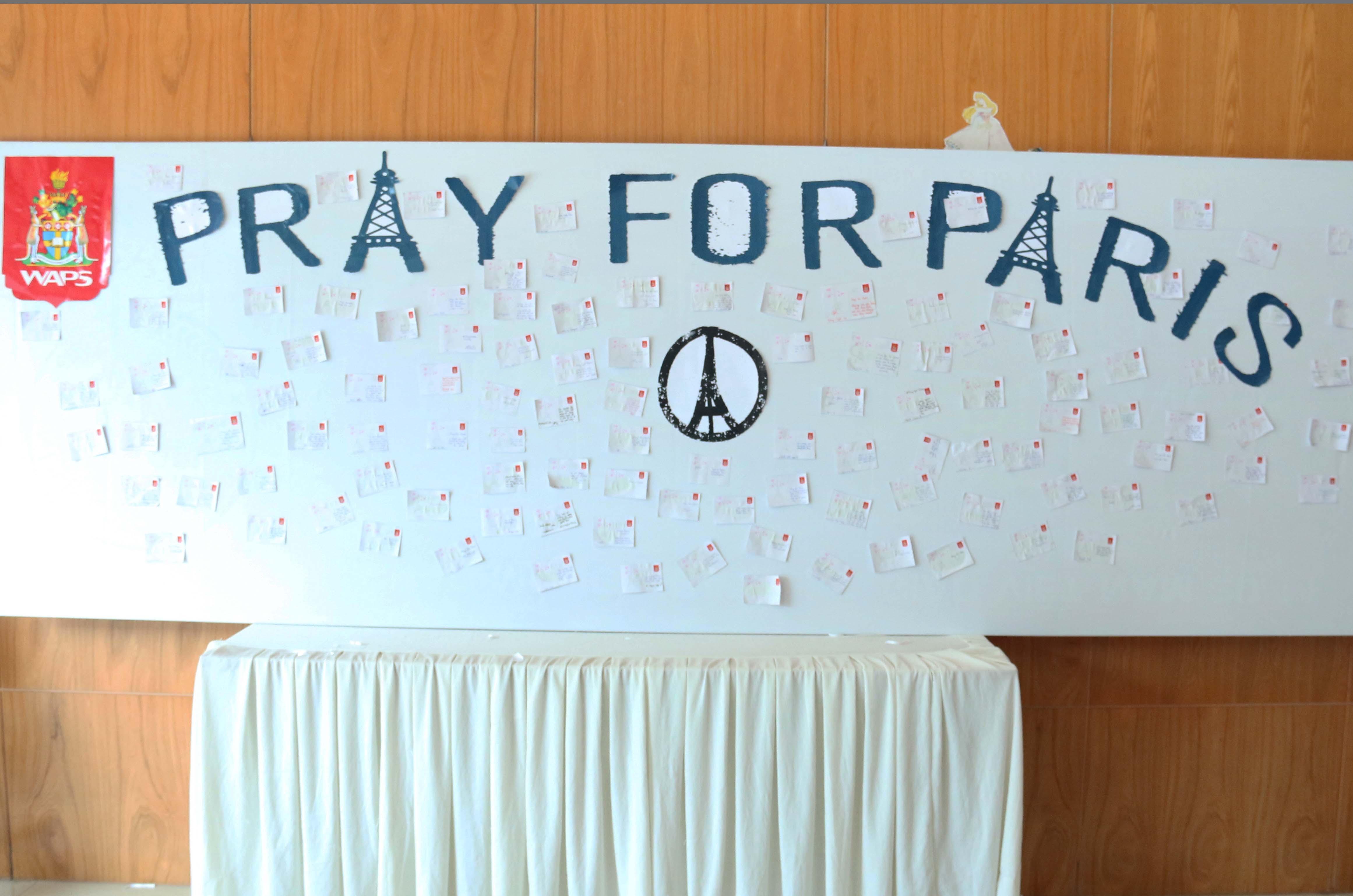 Cùng cầu nguyện hướng về Paris