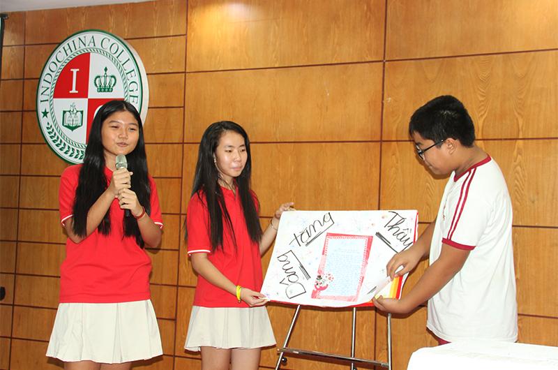 Bạn Đông Nghi - học sinh lớp 7A đã có một phần thuyết trình về báo tường của lớp mình thật xuất sắc