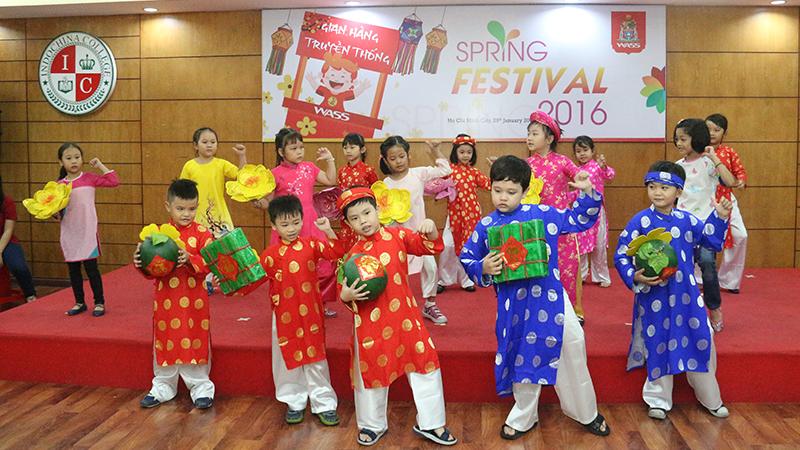 Spring Festival 2016 tai he thong truong quoc te Tay Uc 12