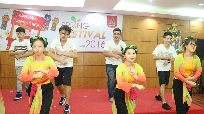 Spring Festival 2016 tai he thong truong quoc te Tay Uc 15