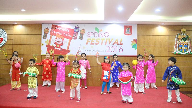Spring Festival 2016 tai he thong truong quoc te Tay Uc 19