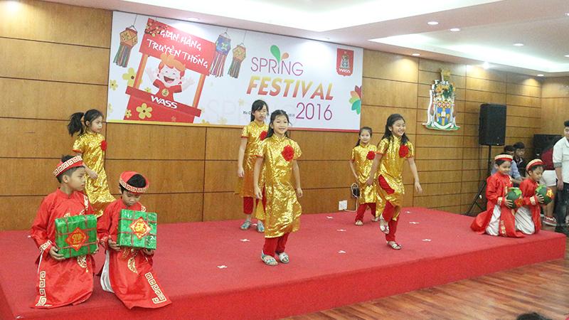 Spring Festival 2016 tai he thong truong quoc te Tay Uc 2