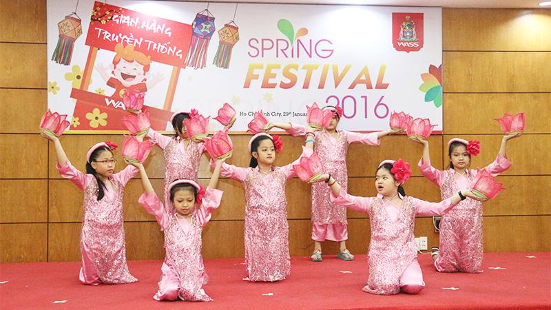 Spring Festival 2016 tai he thong truong quoc te Tay Uc 3