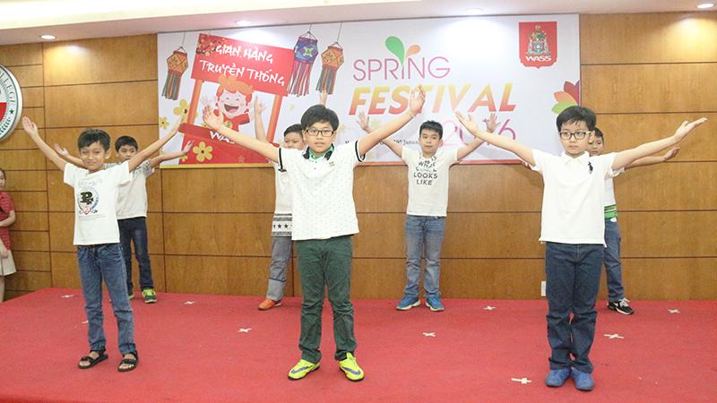 Spring Festival 2016 tai he thong truong quoc te Tay Uc 7