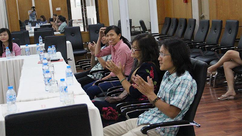 he thong truong tay uc _ dinh huong cuoc doi voi co Linh Trang 3