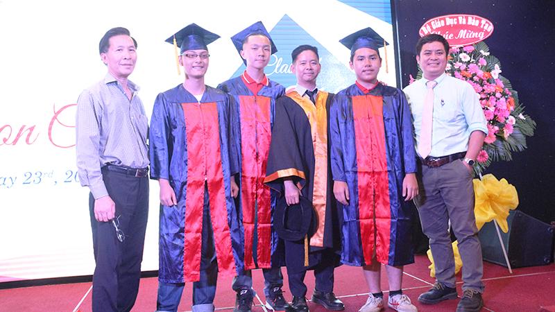 22- le tot nghiep nam hoc 2015-2016 he thong truong tay uc