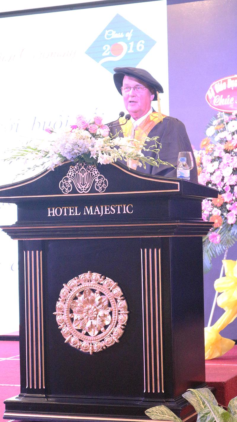 S10- le tot nghiep nam hoc 2015-2016 he thong truong tay uc
