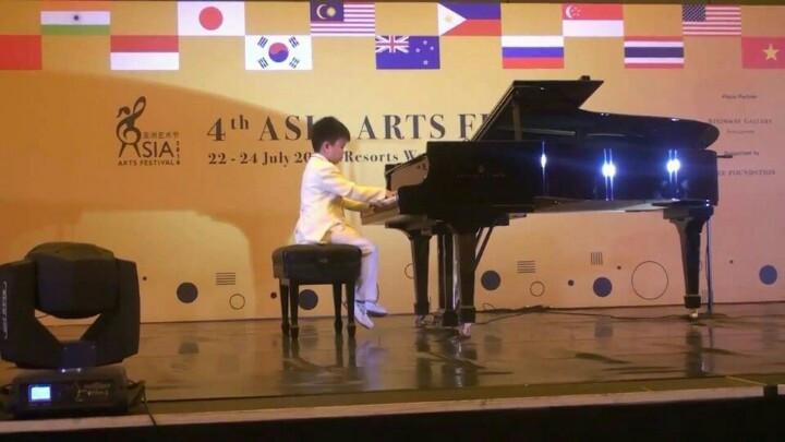 Hoang Kim Gia Bao tai Asia Arts Festival 2016