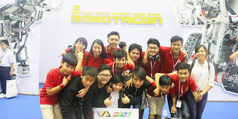 Hệ thống Trường quốc tế Tây Úc nhận thưởng tại cuộc thi Robotacon 2016