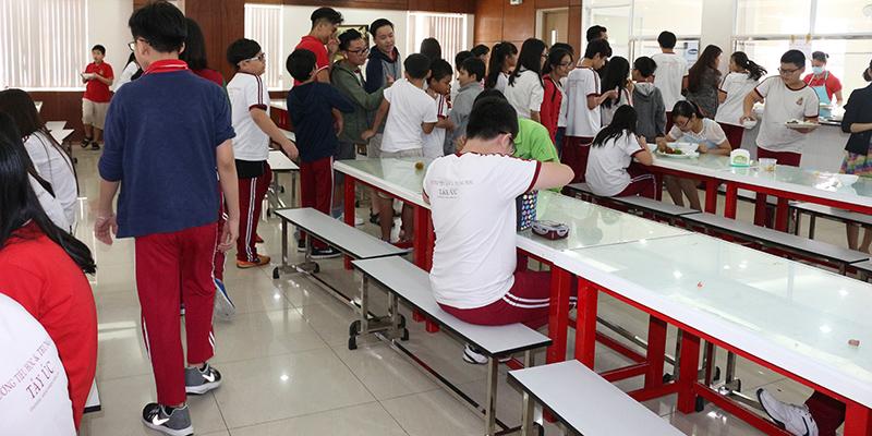 Hoat dong hoi dong hoc sinh tai wass 12