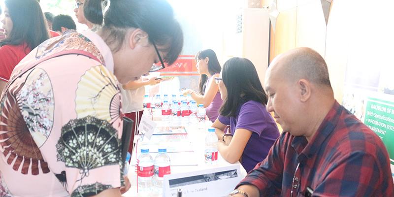 WASS Education Fair 2016 tai He thong Truong Quoc te Tay Uc 13