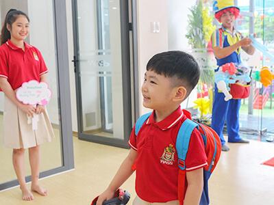 Campus Nguyễn Hữu Cảnh chào đón những Wassers Mầm non trong ngày đầu tiên đi học