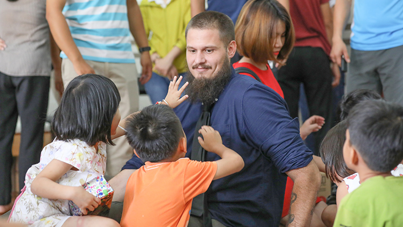 Bringing Children's Day to the children at Mai Tam Selter