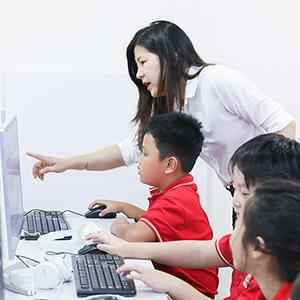 Các lớp học sôi động trong những tuần đầu tiên dưới mái nhà Tây Úc