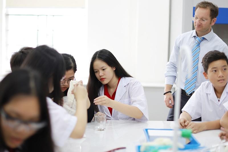Để có bằng tú tài quốc tế IB cần hoàn thành những môn học nào