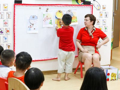 Lợi thế của việc học chương trình song ngữ sớm
